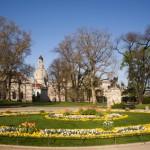 Dresden Park vor Albertinum mit Frauenkirche