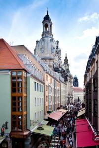 Bruehlsche Gasse mit Frauenkirche 986